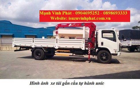 xe tải isuzu gắn cẩu tự hành unic