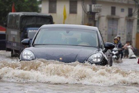 Ô tô bị ngập nước